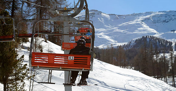 Luxury Ski Show Entry Gives VIP Lounge Access