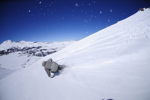 Powder skiing in Chile & Argentina- ©El Colorado Tourism