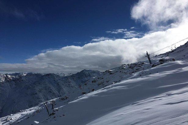 Madesimo: si scia il 25-26 Novembre- ©www.skiareavalchiavenna.it