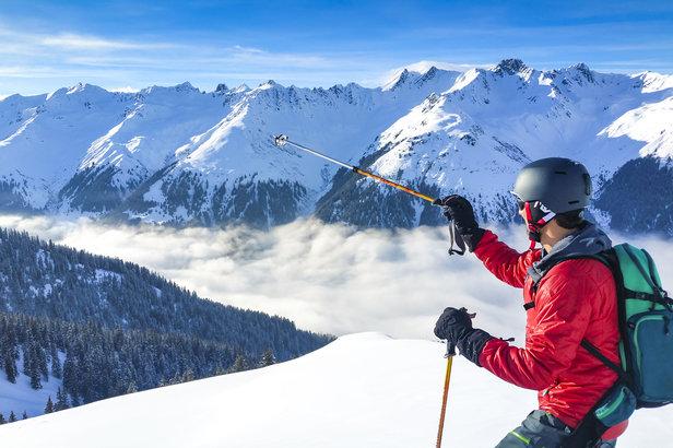 Skifahren mit gutem Gewissen: Winterspaß im Einklang mit der Natur- ©fotolia.de, mmphoto (#137138691)