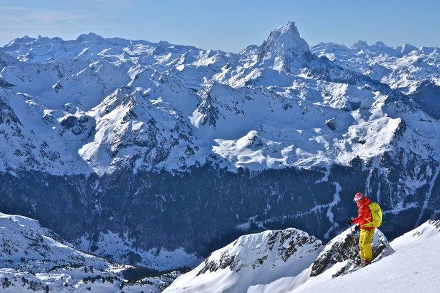 La traversée entre les stations de Gourette et Artouste, un des hors-piste le plus réputé des Pyrénées