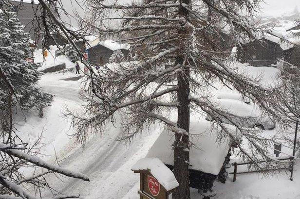 Zuviel Schnee: Zermatt und Saas Fee von der Außenwelt abgeschnitten- ©Saas Fee Tourisme