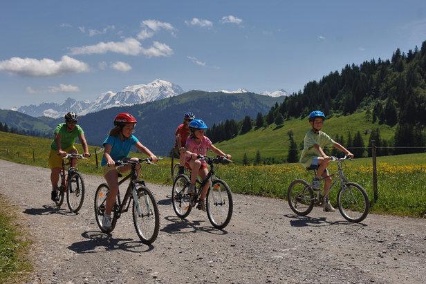 Cet été, direction le Val d'Arly pour un bol d'air pur en familleAgence Clair de lune