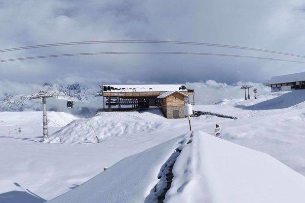 Weerbericht: verse sneeuw in meiFacebook @alpe.huez