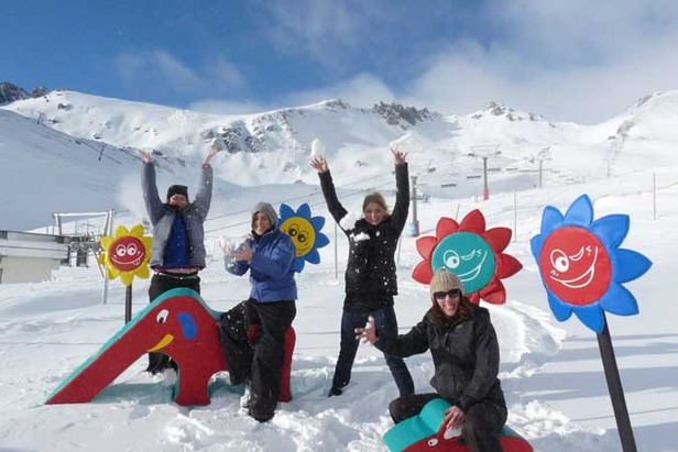 More New Zealand Ski Areas Open