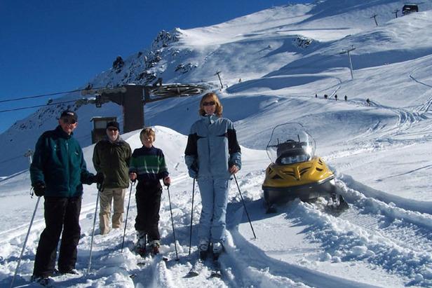 Mt Hutt, NZ celebrates first major snowfall