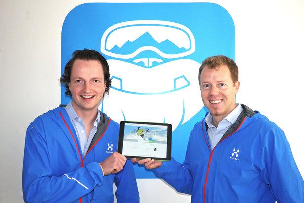 Die Salzburger Stefan Pinggera (li.) und Georg Reich haben CheckYeti 2014 gegründet. Mittlerweile umfasst das Angebot mehr als 6.000 Wintersportaktivitäten in über 500 Skigebieten in ganz Europa.