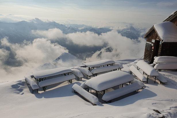 Alpy sú od víkendu pod snehom- ©Facebook Gamskarkogelhütte