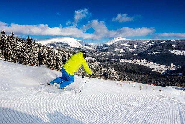 Od pátku se lyžuje v Peci, ve SkiResortu lyžaři najdou 14 km sjezdovek- ©SkiResort ČERNÁ HORA - PEC