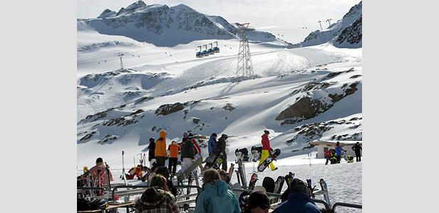 Rückkehr des Winters im Frühjahr erfreut die Skifreunde am Pitztaler Gletscher