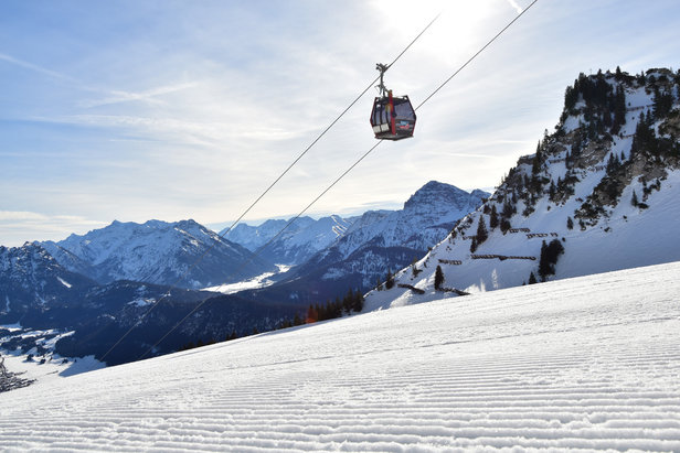 Skigebiet am Hahnenkamm in Reutte: Kein Skibetrieb in diesem Winter?Mountain Grafix