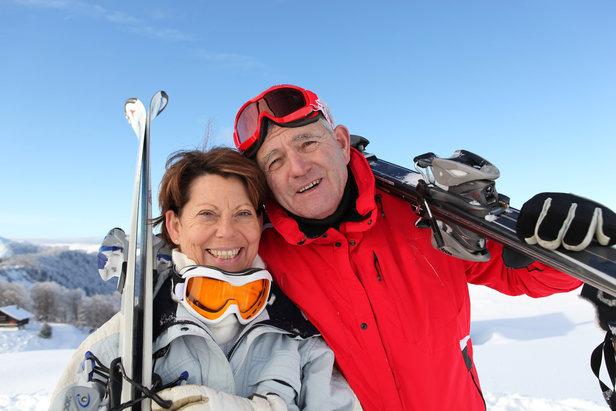 Les seniors rechaussent les skisAuremar - Fotolia.com