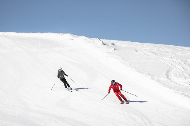 Early riser or late sleeper? There are suitable ski courses for everyone  - © CheckYeti/Roland Haschka