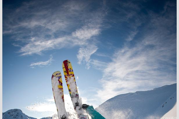 Bene Mayr gewinnt Wahl zum Freeskier des Jahres 2010- ©DomDaher/Red Bull Photofiles