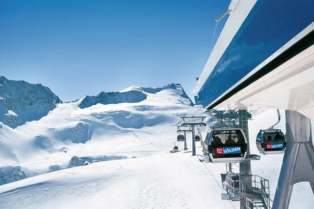 Trasa ze szczytu Schwarze Schneid do doliny w Sölden liczy 15 km długości  - © Ötztal Tourismus