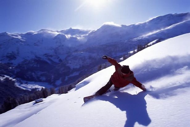 Top 10 snowboarding resorts in the world