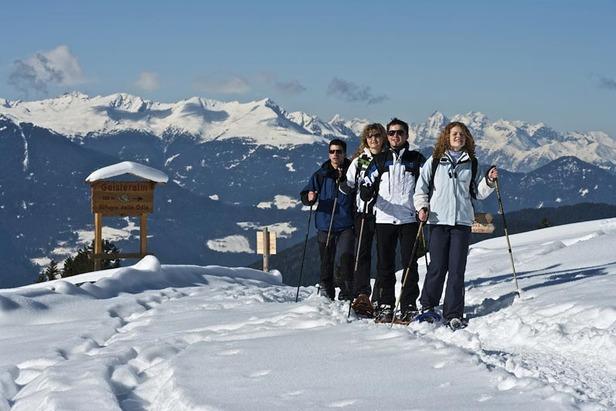 Passeggiate invernali in mezzo alle Dolomiti nella Val di Funes
