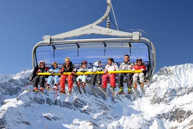 Pohodlná 8-sedačková lanovka ve skiareálu Tiroler Zugspitz Arena