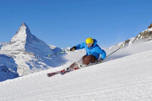 Když se vydáte na lyžovačku v dubnu, můžete se spolehnout na nádherné slunečné počasí, delší otevírací dobu vleků a levnější ceny skipasů.  - © Michi Portmann