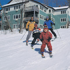 Family skiing at Smugglers Notch, Vermont - © Smugglers Notch