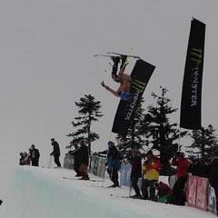 Au! Tri najťažšie pády nahých lyžiarov na webe