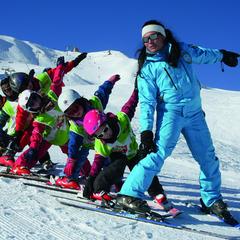 Les 3 bons plans de l'ESI pour apprendre à skier - ©ESI