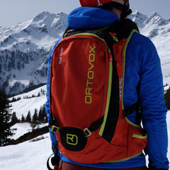 Ruksak Ortovox Base 20 ABS - © Skiinfo