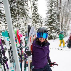 Při testování lyží prostě vezmete nejbližší lyže a jedete. A hodnotíte. - © Cody Downard Photography