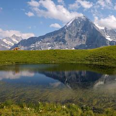 Eiger mit Bergsee - ©Jungfrau Region | Jost von Allmen