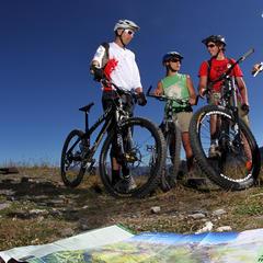 Rodinná cyklistika v Méribel - © © C Pallot - Agence Zoom / Meribel Tourisme