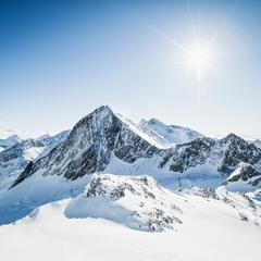 Mit dem Flugzeug in den Skiurlaub: Die besten Skigebiete rund um Innsbruck - ©Stubaier Gletscher/Andre Schönherr