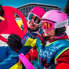 Lyžařská škola SkiResort LIVE ve skiareálech SkiResortu ČERNÁ HORA - PEC - © SkiResort ČERNÁ HORA - PEC