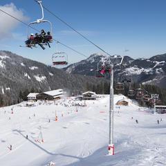 pistes de ski du Roc d Enfer - © Y.Tisseyre   O.T. Vallée. ski enfant saint  jean d aulps ... 8527f862a751