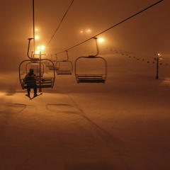 Night skiing at the Summit at Snoqualmie. Photo by Sergio Bonachela/Flickr. - © Sergio Bonachela