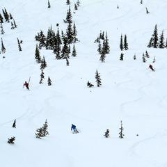 Group skiing at Island Lake. - ©Dan Kasper