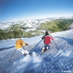 Carving up the slopes on the Hintertux Glacier. - © Hintertux Tourist Office
