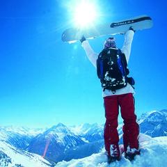 Lákavé jarní lyžování na tyrolských ledovcích zpestří řada akcí - ©Hintertux Tourist Office
