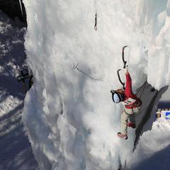 Francouzská horolezkyně Stephanie Maureau na ledopádu v La Plagne - © La Plagne