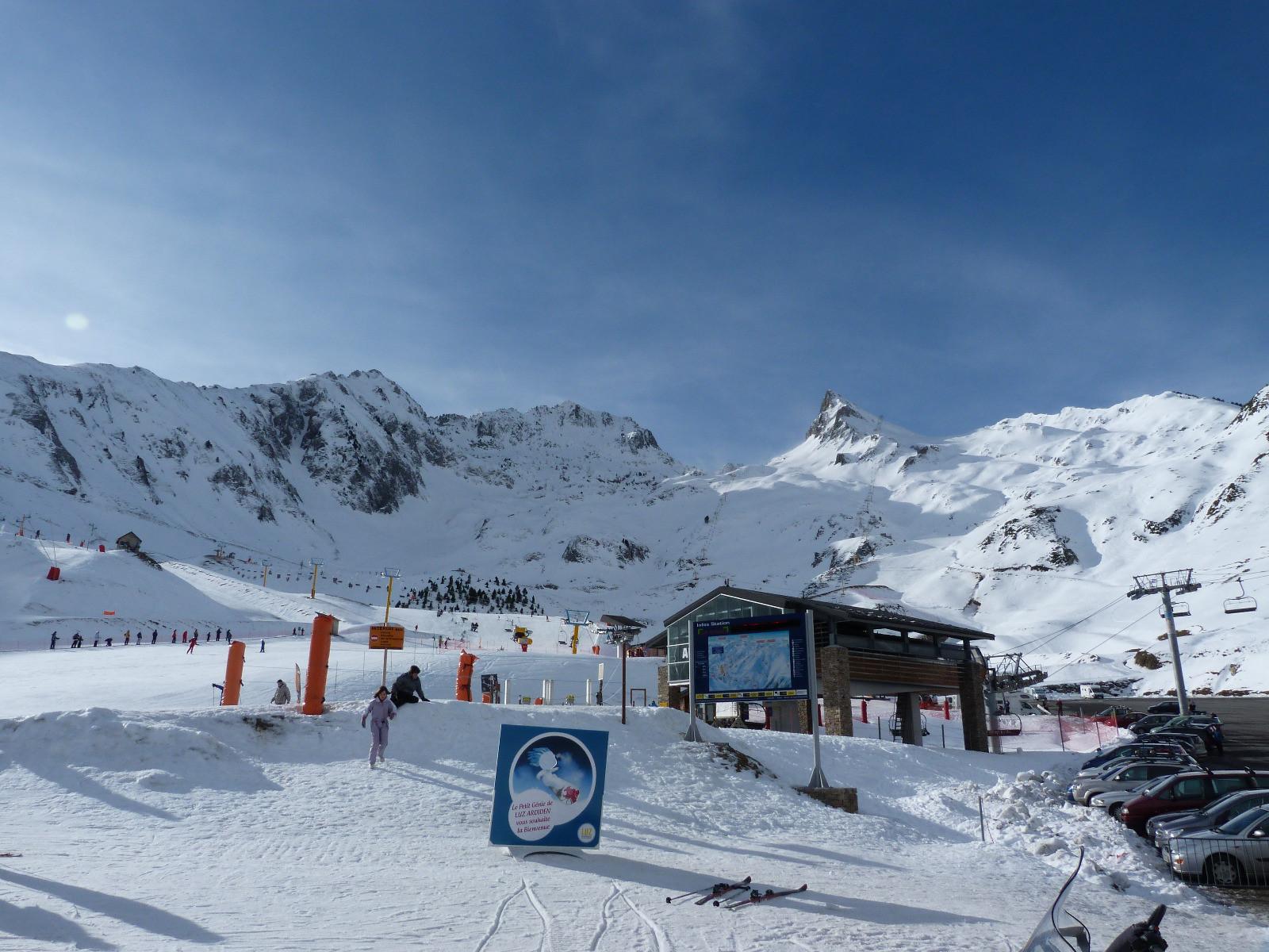 Skiing at Luz Ardiden